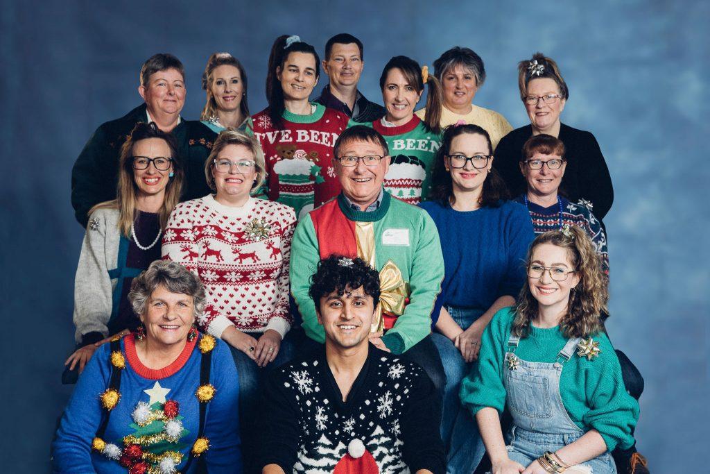 Awkward-Christmas-Photo-Team-Commercial